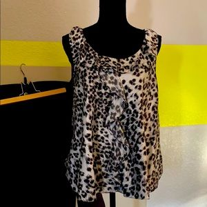 Black and white print top